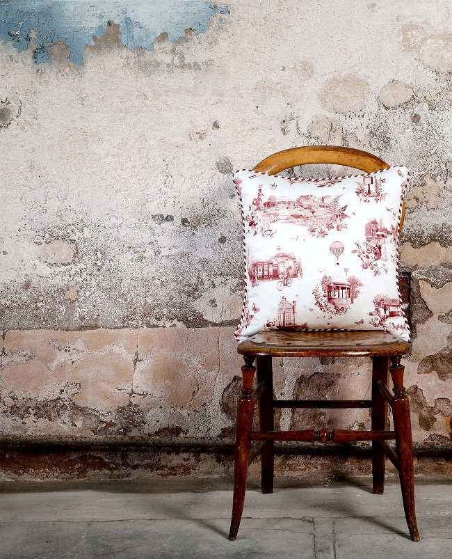 Harrogate Toile cushion red