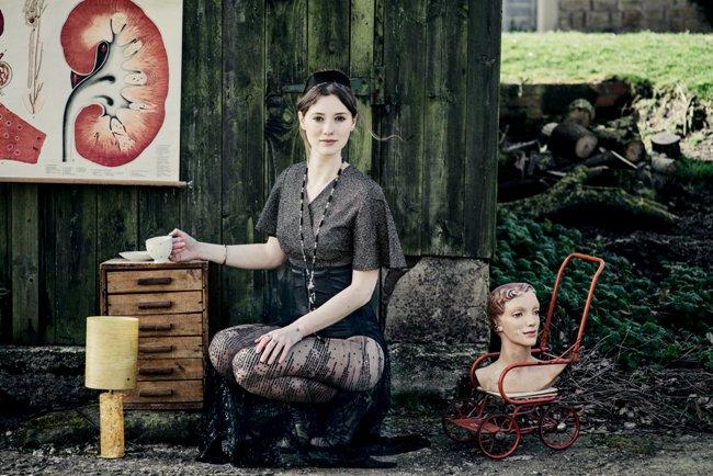 Photo: Carolyn Mendlesohn. Model: Hannah Muirhead