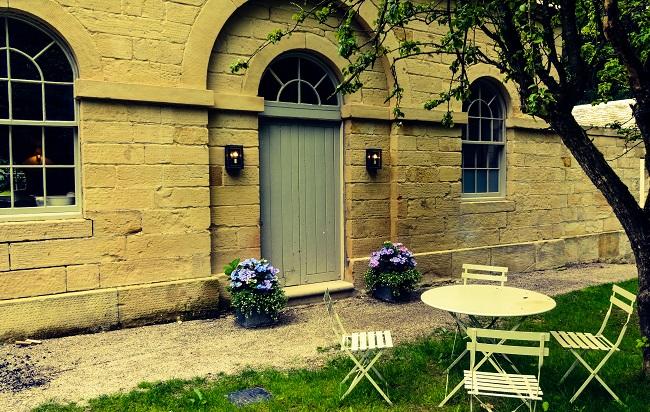 AA Middleton Lodge Outside lodge 013_edited