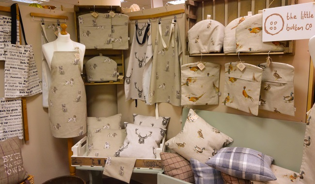 There's lots of lovely gift ideas too at Decoporium.